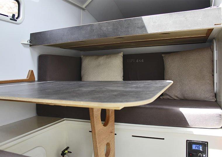 mesa y cama tipi4x4