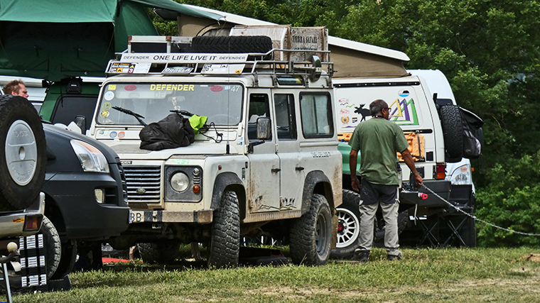 land-rover-camper